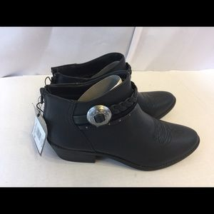 New DV western ankle boots size 9
